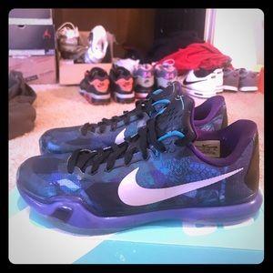 Kobe 10 Got the New Shoe Smell still! Sz10